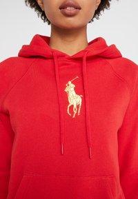 Polo Ralph Lauren - SEASONAL - Bluza z kapturem -  red - 3