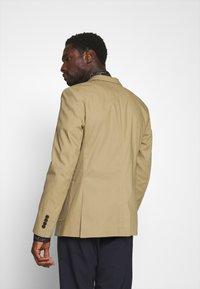 Selected Homme - SLHSLIM TREY - Blazer jacket - kelp - 3