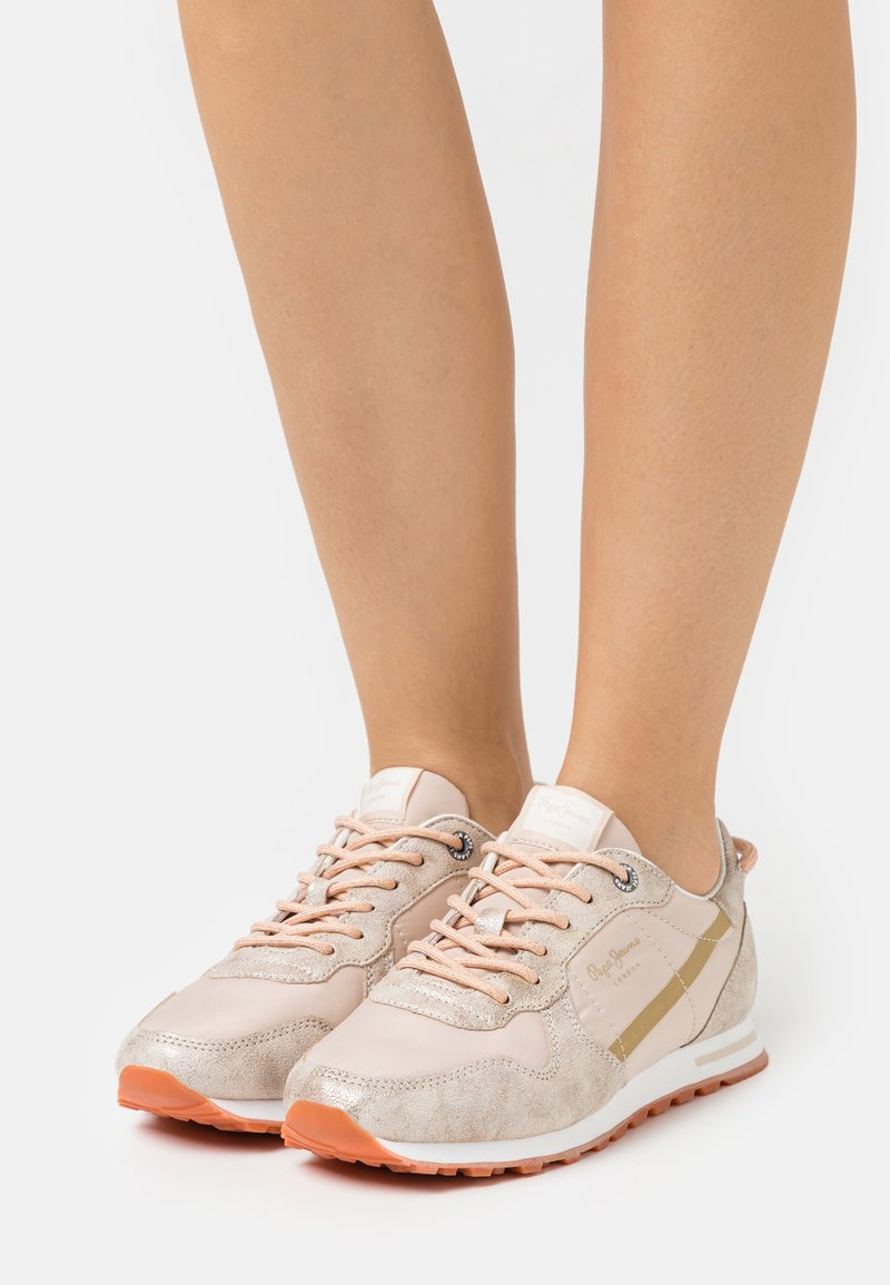 Pepe Jeans - VERONA  - Trainers - gold