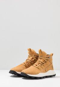 Timberland - BROOKLYN MODERN ALP - Baskets montantes - wheat - 2