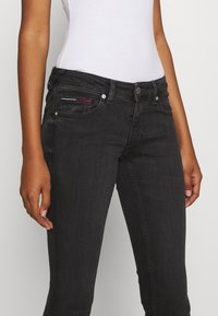 Tommy Jeans - SOPHIE ANKLE ZIP  - Jeans Skinny Fit - bird black - 4