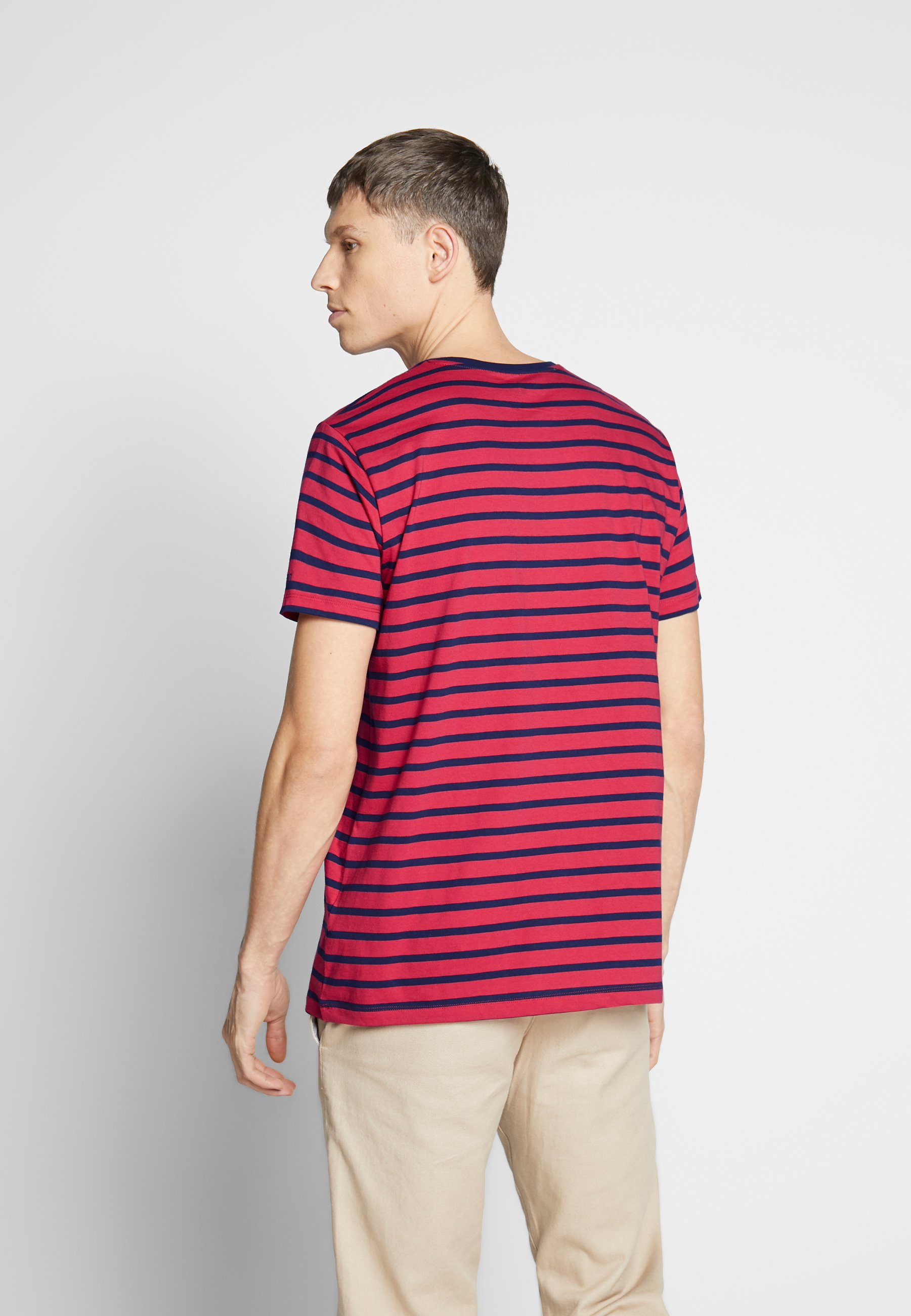 Esprit Print T-shirt - red CypZN