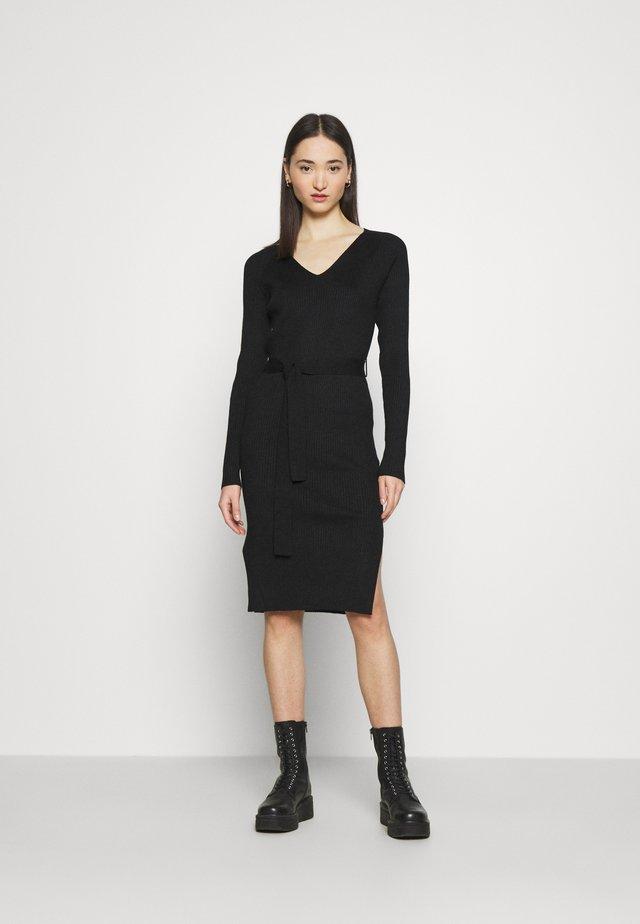 VMBARBARA V-NECK BELT DRESS - Kotelomekko - black