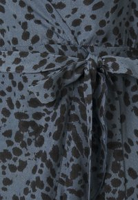 Missguided Petite - RUFFLE WRAP DRESS DALMATIAN - Day dress - slate blue - 2