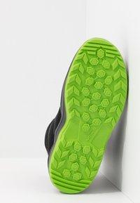 Lowa - MADDOX WARM GTX - Winter boots - black/lime - 5