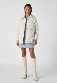 PULL&BEAR - Płaszcz zimowy - beige - 1