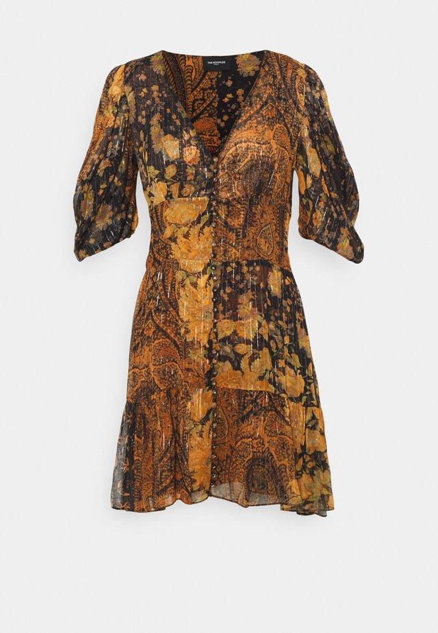 DRESS - Korte jurk - black/orange