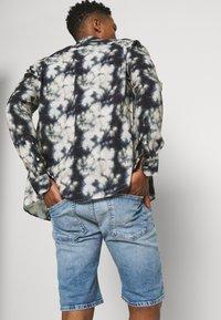 Replay - Denim shorts - light blue - 3