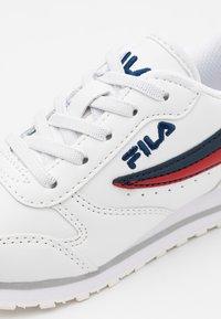 Fila - ORBIT KIDS - Zapatillas - white/dress blue - 5