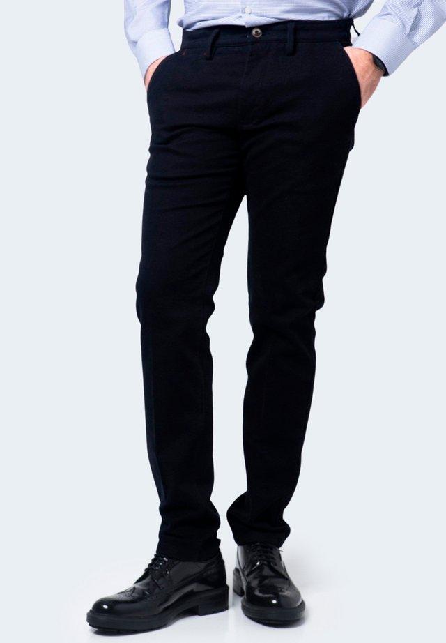 JUVENILE LUSA - Chino - black