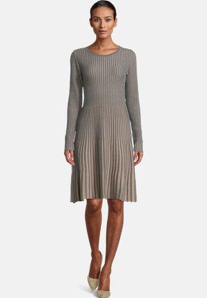 MIT PLISSEE - Jumper dress - grey/taupe
