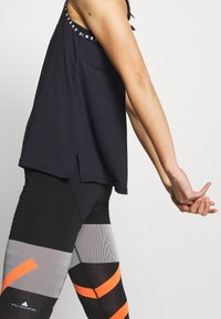 Under Armour - KNOCKOUT TANK - Funktionsshirt - black/white - 4