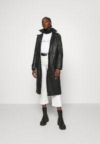 Calvin Klein - SIGNATURE - Sweatshirt - bright white - 1