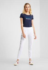 EA7 Emporio Armani - Print T-shirt - navy blue - 1