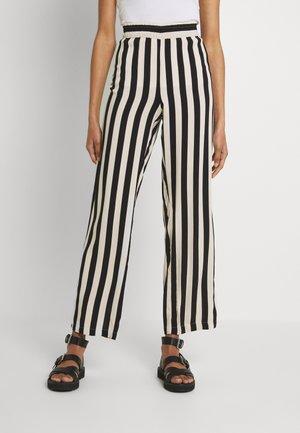 LIFE WIDE PANT  - Trousers - tapioca/black
