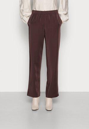 HOYS STRAIGHT PANTS - Broek - chocolate plum