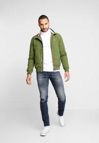 Tommy Jeans - ESSENTIAL JACKET - Summer jacket - cypress - 1