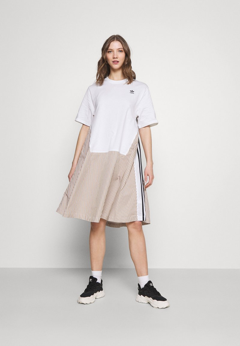 adidas Originals - Dry Clean Only xSHIRT DRESS - Sukienka z dżerseju - white