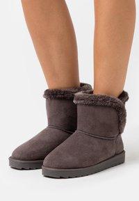 CALANDO - Kotníkové boty - grey - 0
