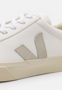 Veja - Baskets basses - extra whiite/natural - 5