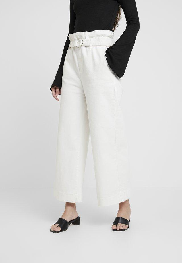 MALALA TIE IN PANT - Flared Jeans - ecru
