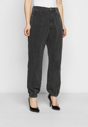 RIOT HIGHWASITED MOM - Jeans baggy - black