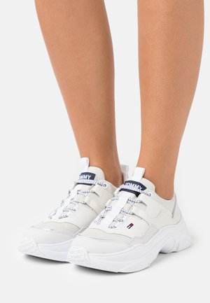 LIGHTWEIGHT SHOE - Trainers - white