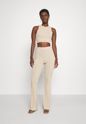 EXPOSED SEAM CROP AND FLARES SET - Top - stone