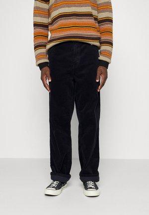 SINGLE KNEE PANT COVENTRY - Pantalon classique - dark navy rinsed