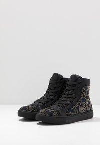 Steve Madden - RIOT - Sneakersy wysokie - black/silver - 2