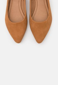 Rubi Shoes by Cotton On - PRIMO POINT - Ballet pumps - tan - 5