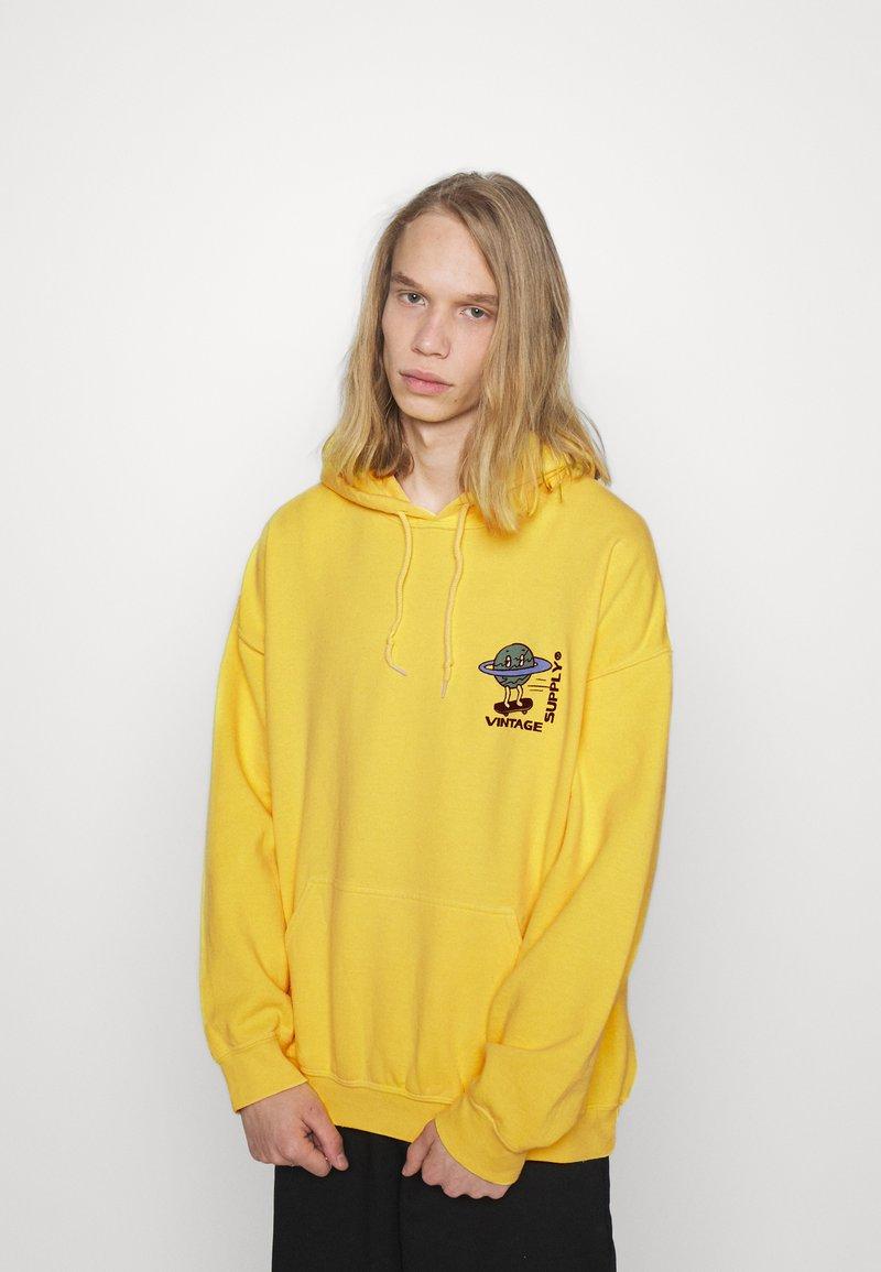 Vintage Supply - OVERDYE BRANDED HOODIE - Sweatshirt - yellow