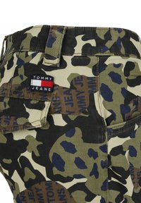 Tommy Jeans - Cargo trousers - green camo - 2