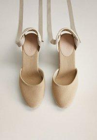 Mango - High heels - ecru - 2