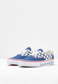 Vans - UA ERA X BMX - Sneakers - true navy/white - 4