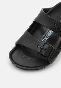 Birkenstock - ARIZONA EVA PLAYGROUND UNISEX - Sandály do bazénu - black - 5