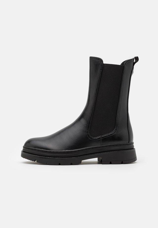 BOOTS - Støvler - black
