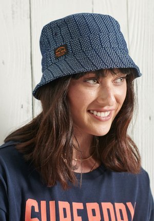 Hatt - light chevron