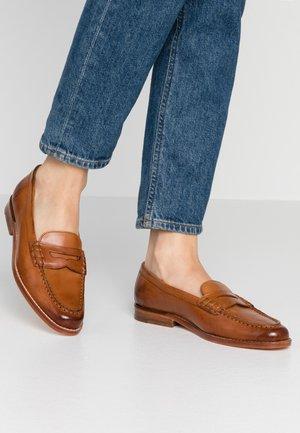MIA  - Nazouvací boty - tan