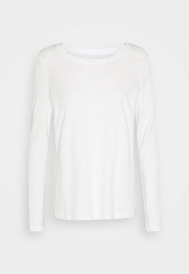 TURNED NECK - Camiseta de manga larga - whisper white