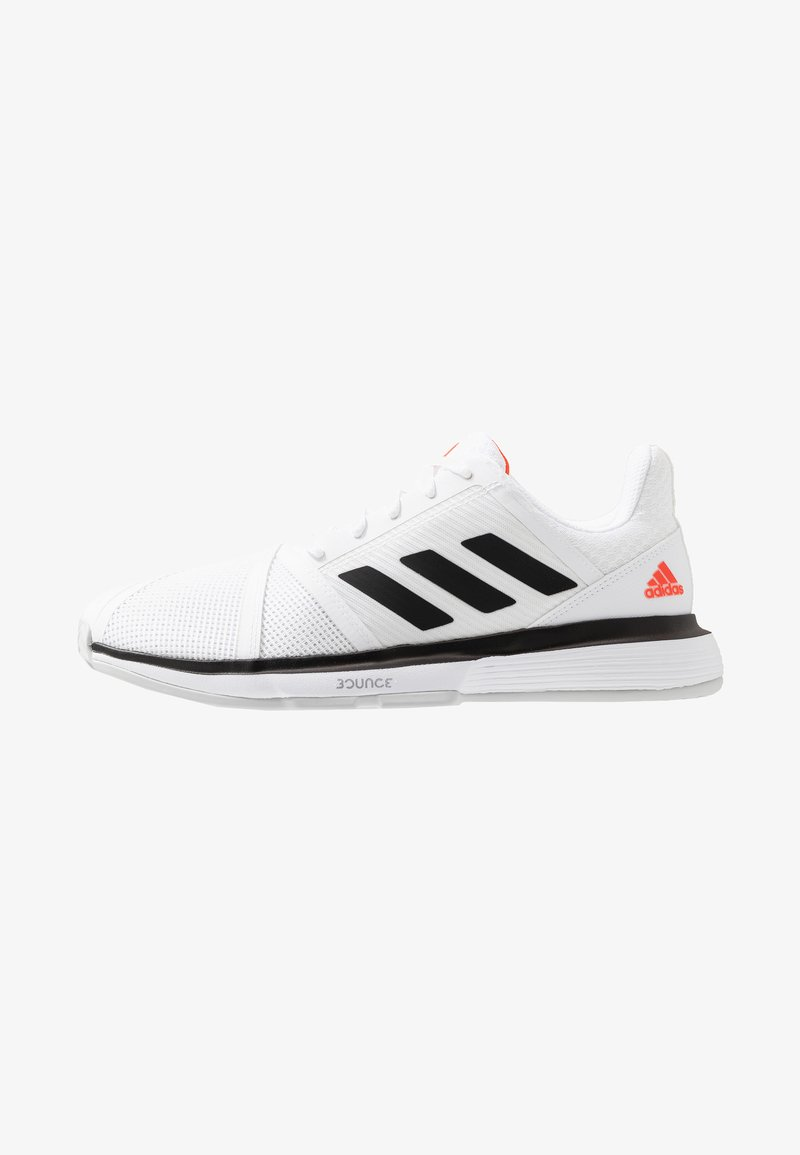 adidas Performance - COURTJAM BOUNCE - Tennissko til grusbane - footwear white/core black/light solid grey