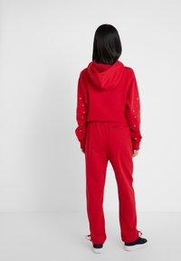 Opening Ceremony - Pantalon de survêtement - red - 2