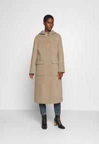 Oakwood - ARIZONA REVERSIBLE - Zimní kabát - beige/grey - 0
