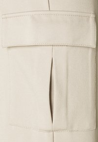 ONLY - ONLPOPTRASH  - Cargo trousers - humus - 6