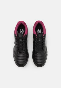 Umbro - TOCCO CLUB TF - Astro turf trainers - black/white/raspberry radiance/pink peacock - 3