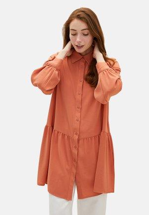 MEDINA SILK - Button-down blouse - coral