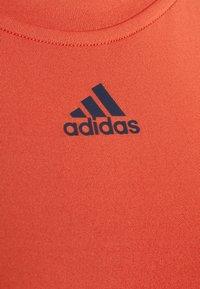 adidas Performance - TECHFIT CROP - Top - crered - 2