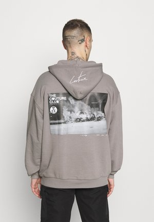 GRAPHIC POCKET HOODIE WITH REMOVEABLE RUBBER BRANDIN - Sweater - grey