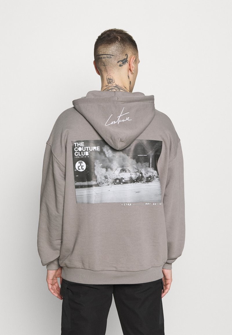 The Couture Club - GRAPHIC POCKET HOODIE WITH REMOVEABLE RUBBER BRANDIN - Sweatshirt - grey
