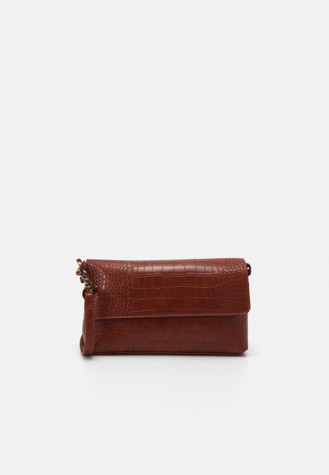 MARIS - Handbag - cognac